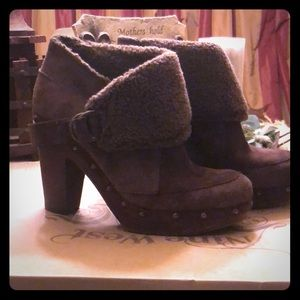Boots ~  Nine West ~ chocolate brown